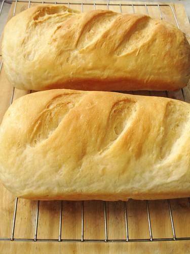 022   condensed milk bread + 80 g tangzhong-  炼奶土司 + 80g 汤种