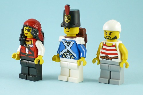 LEGO Pirates 70411 Treasure Island figures02