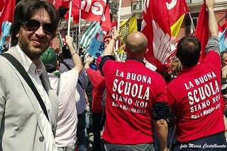 Noicattaro. Prof. Cuscito in protesta front