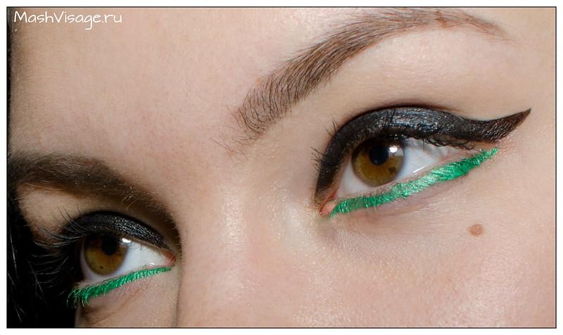 графичным макияж с цветным акцентом