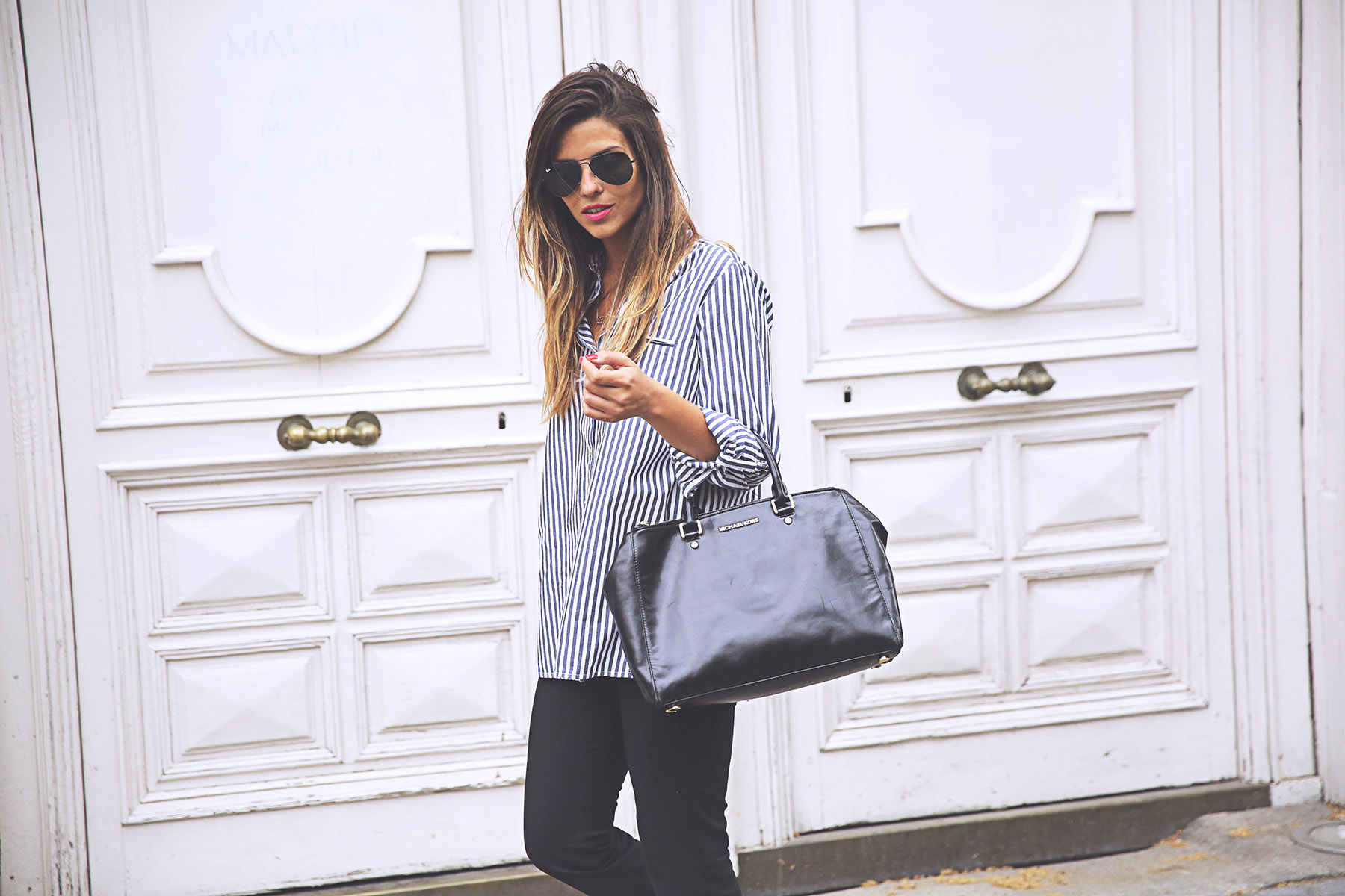 trendy-taste-look-outfit-street-style-ootd-blog-blogger-fashion-spain-moda-españa-steve-madden-smoda-camisa-rayas-striped-shirt-birkenstock-ugly-shoes-6