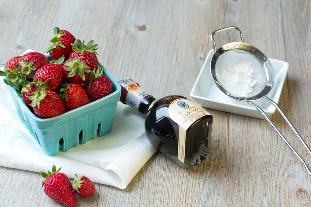 Erdbeeren mit Aceto Balsamico di Modena
