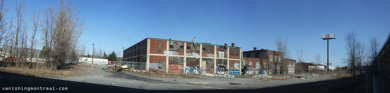 Buildings on Cabot seen from the back - super panoramic