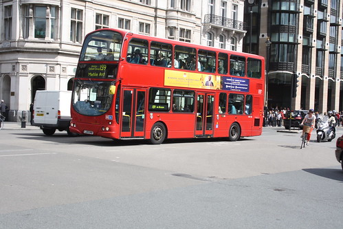 Arriva London South DW122 LJ05BNB