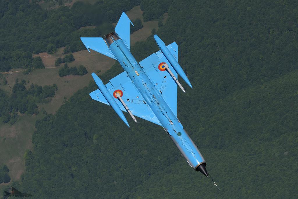 RoAF MiG-21 si FAP F-16 in zbor 18127788205_3564d6d33e_b