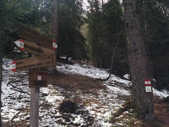 Wegmarkierung Nr. 16 B Aufstieg Sarlsattel