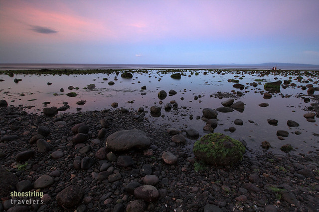 sunset colors at Rizal Boulevard's beach front