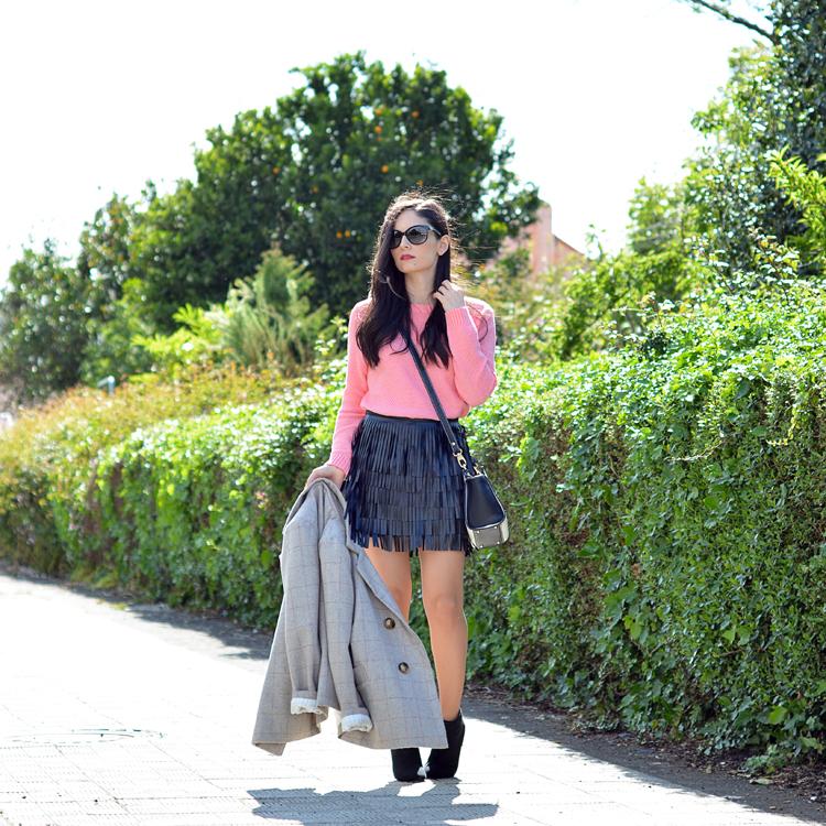 Zara_ootd_outfit_pullandbear_coral_fringes_pepemoll_04
