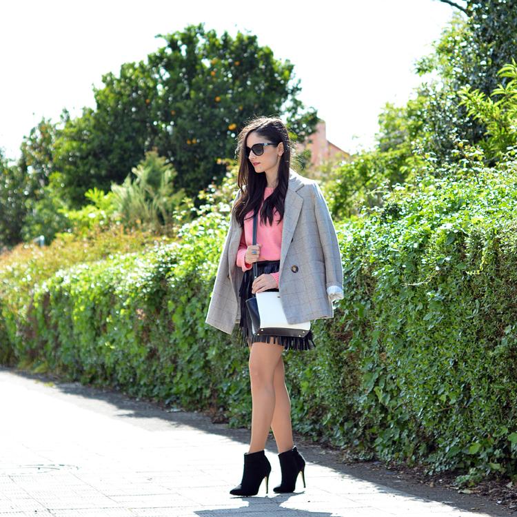Zara_ootd_outfit_pullandbear_coral_fringes_pepemoll_02