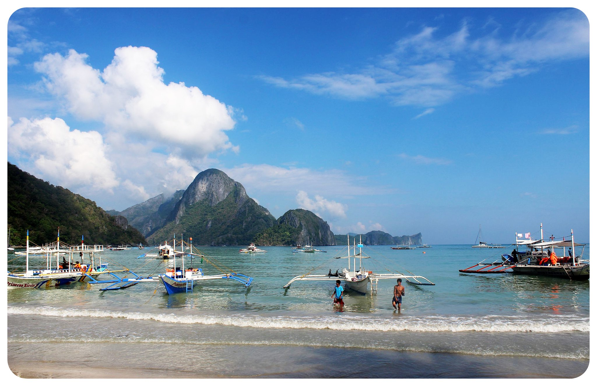 el nido with boats