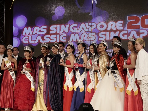 4K Photo of the winners of Mrs Singapore 2015
