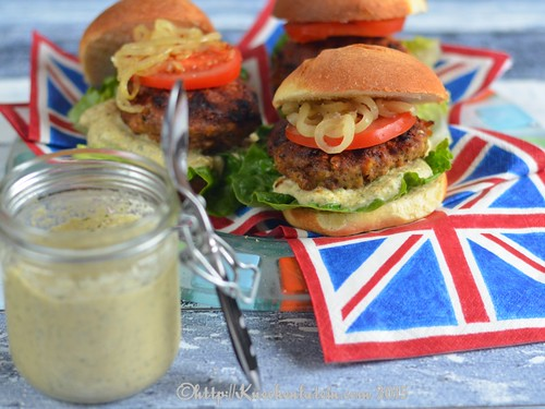 ©Moroccan-spiced lamb burgers with baba ganoush (1)