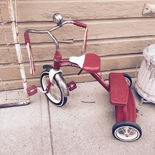 Vintage Radio Flyer Tricycle $36.00. - 119.9KB