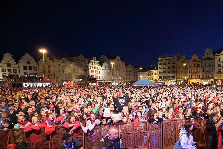 150530_CZE_Viktoria_Plzen_celebration_city_square_V3