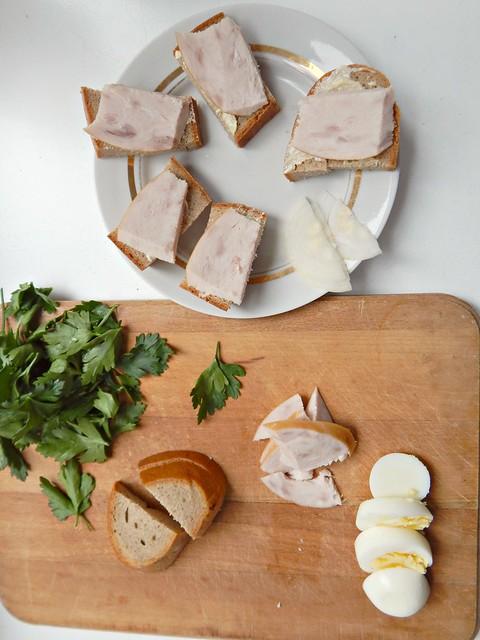 Бутерброд с ветчиной из Книги о вкусной и здоровой пище, фоторецепт с пошаговыми фотографиями. | horoshogromko.ru