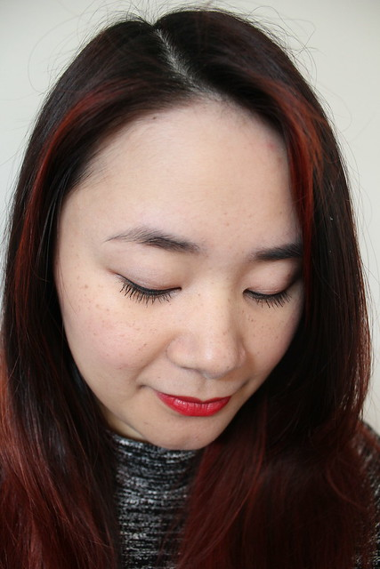 Burberry makeup look with eye palette in rose pink and burberry kisses lipstick in 109 military red