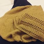 Lavori da ospedale #ameliabefana #iolavoroamaglia #fattoamano #handmade #yarn #instaknit #instaknitting #heidikirrmaier #knit #knitting #kalfromitaly #knittersofig #knittersofinstagram
