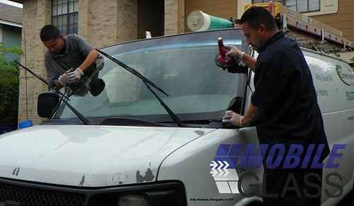 Mobile Windshield Replacement in Chicago