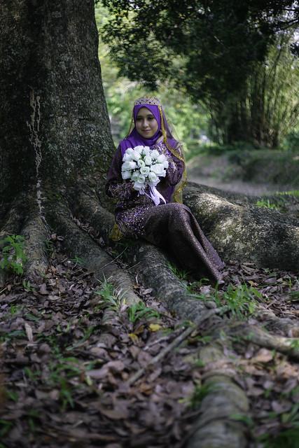 Fara in baju ungu