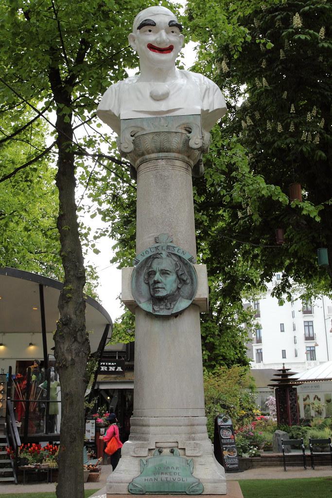 052-Volkersen-statue
