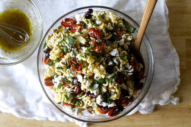 roasted tomato pasta salad