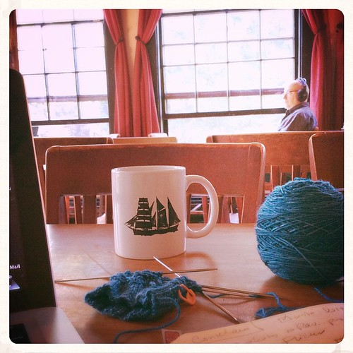 Got yarn, wifi, good coffee, and great light. All set for a productive morning of design work! #bluepeninsula #knit #knitting #knittersofinstagram #knitstagram