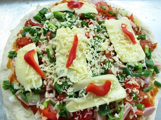 009 spring onion and sausage pizza