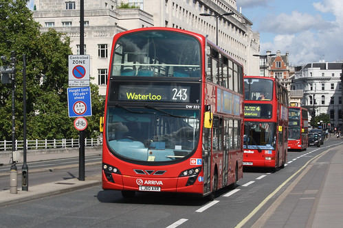 Arriva London North DW332 LJ60AXR