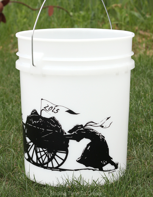 Trek Bucket Vinyl Art - right view