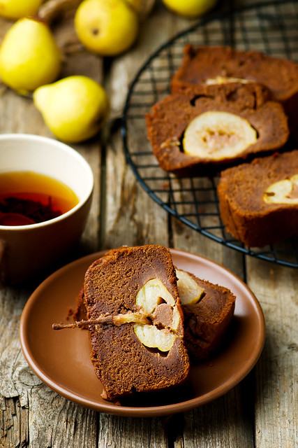 The pear  cake with  chocolate