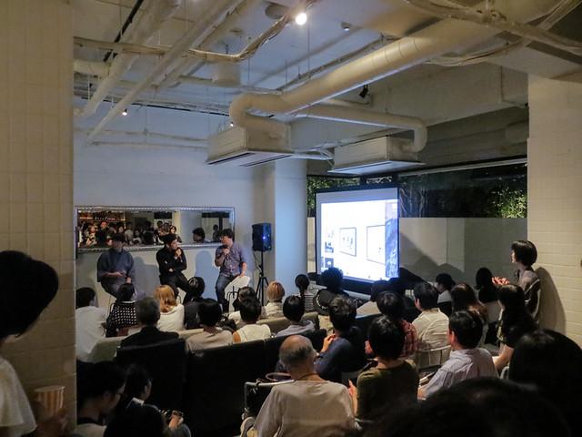 7月22日(金)に開催された名和晃平(彫刻家)、中原典人(建築家)、五十嵐太郎(建築評論家)によるトークショー。 関係者を含め約600人が集まったということもあり熱気を帯びていた。すでに大きな発信力があることを証明したといえる。