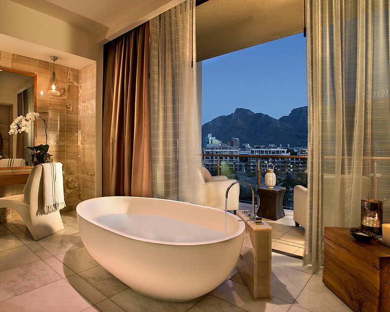 Master suite bathtub in the Presidential Suite at the One&Only Cape Town