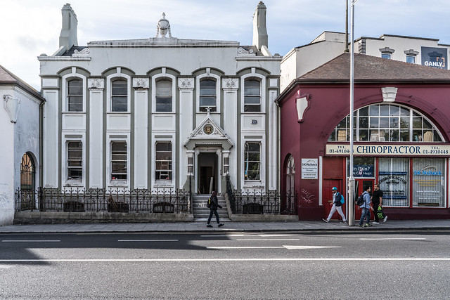 GRAND CANAL HOUSE IN RATHMINES [WHERE IS THE OUT ARCH]-121580