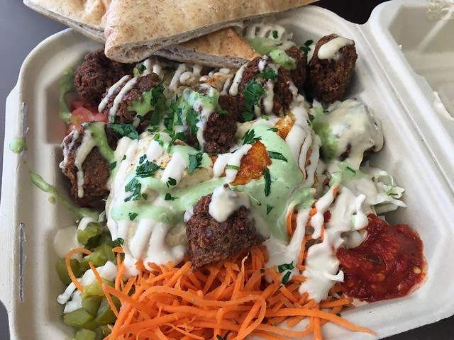 Plate me - The Flying Falafel