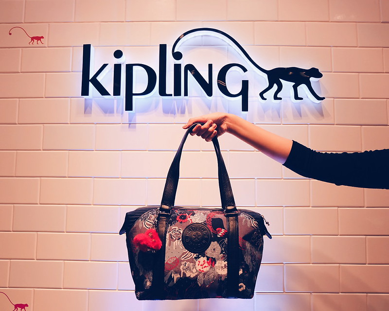 Kipling Alexandra Levasseur  Collection Price