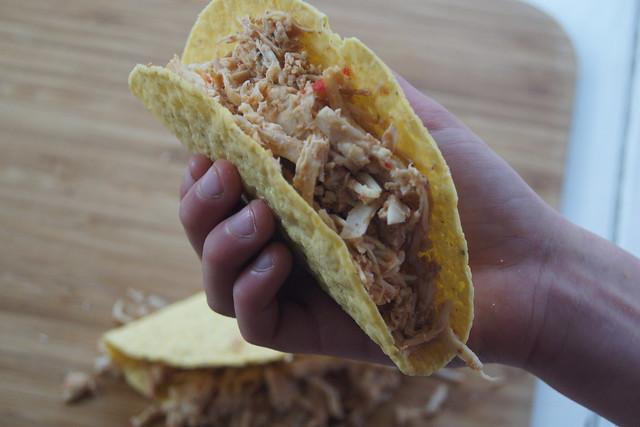 Slow cooker chicken tacos DSC06871