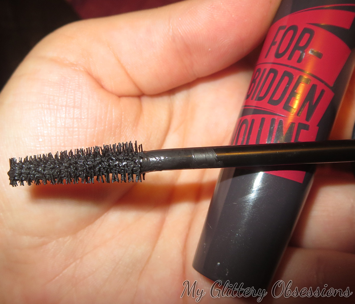 mascara forbidden volume