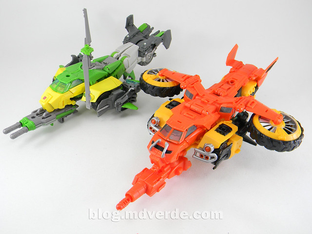 Transformers Sandstorm Voyager - Transformers Generations Takara - modo helicóptero vs Springer