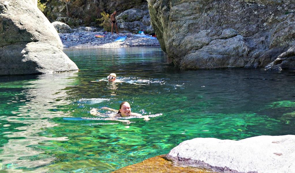 Uimassa laguunissa