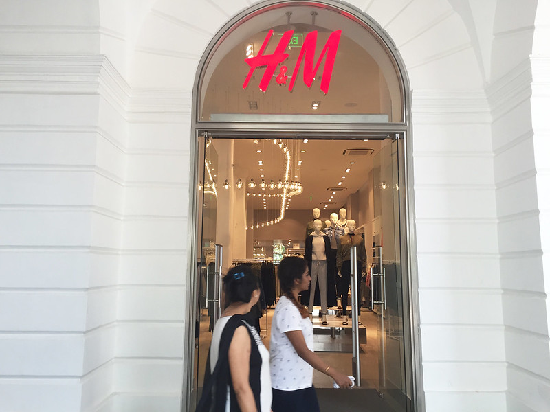 City Landmark - H&M Takes Over New Book Depot and ED Galgotia & Sons Booksellers, Connaught Place
