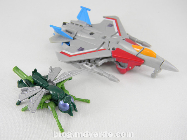 Transformers Starscream con Waspinator - Transformers Generations Takara - modo alterno