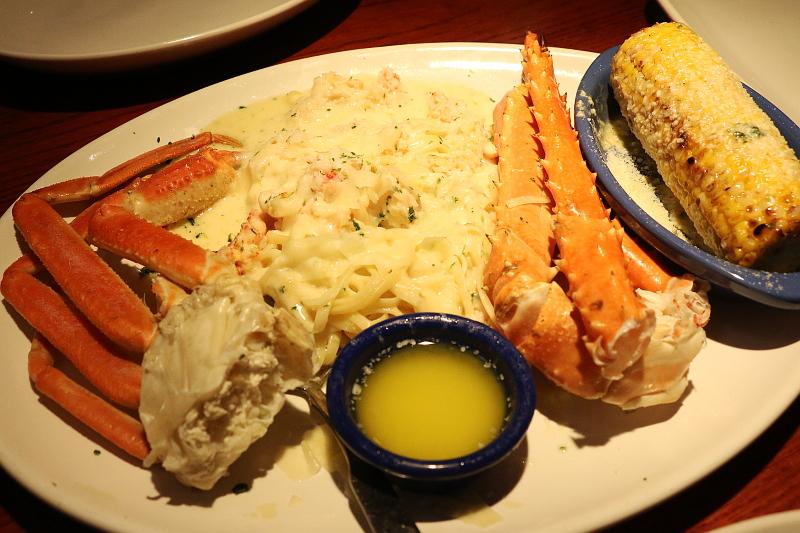 Red-lobster-Crab-Lovers-Dream-linguini-crab-legs-8