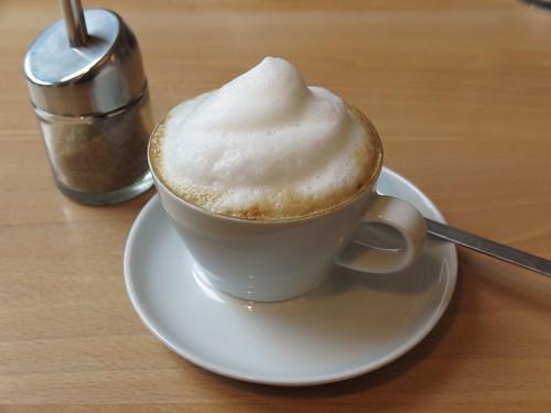 """Cappuccino (im Bistro """"unter Kollegen"""" in Osnabrück)"""
