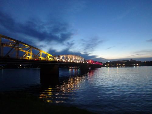 truong-tien-bridge-4