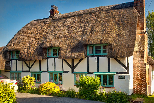 17th century Knapp Cottage at Upper clatford in Hampshire | by Anguskirk