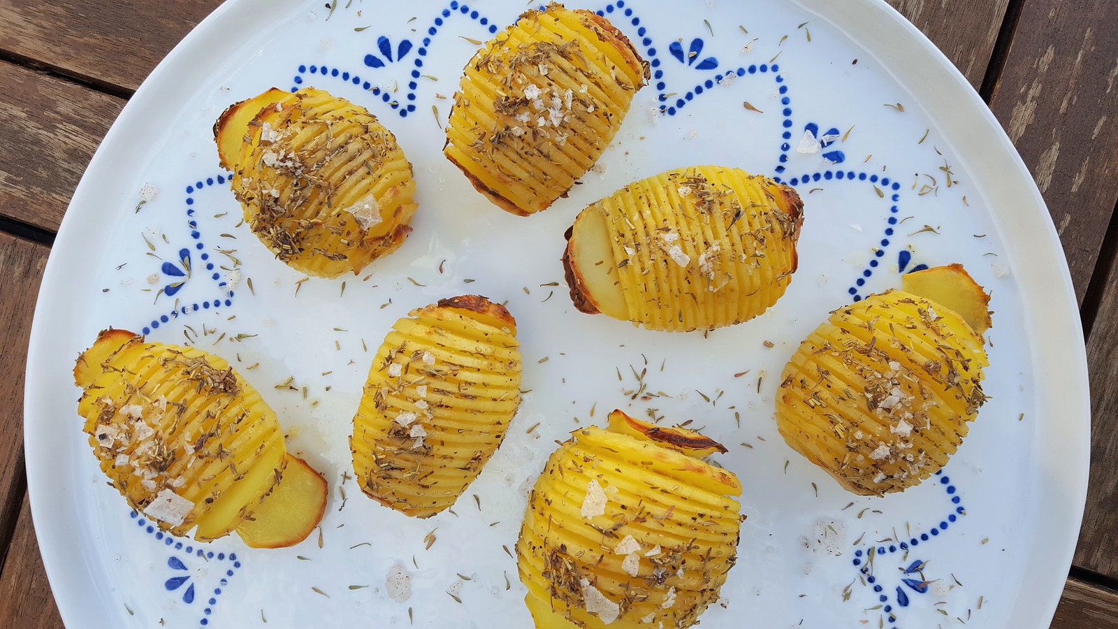 Recipe for Homemade Swedish Hasselback Potatoes  (hasselbackspotatis)