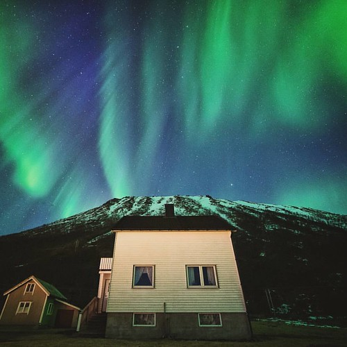 Dear house owners: I apologize that two crazy Finns came on your land in the middle of the night to photograph your house and maby let a few screams of joy because of the crazy northern lights happening behind your house! I hope we didn't wake you up! :gr