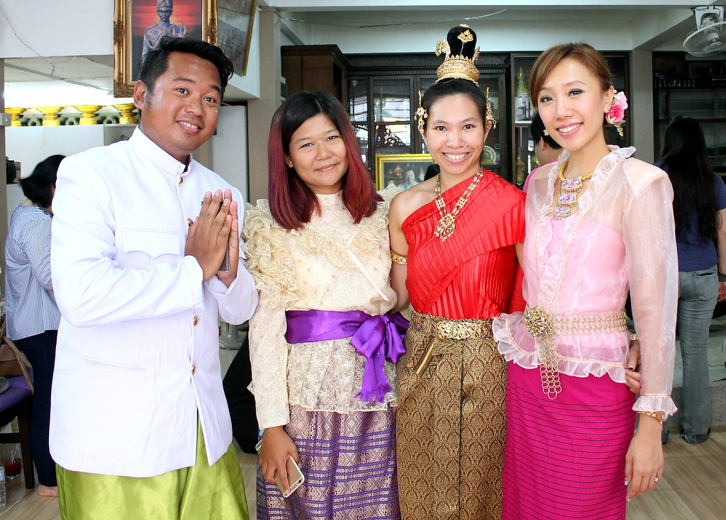 duriyapraneet-house-dress-up-thai-costume