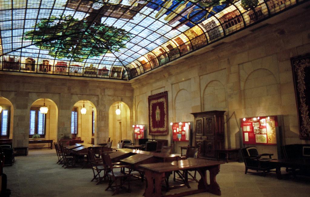 La Sala de la Vidriera (Casa de Juntas - Gernika) [neg-color]