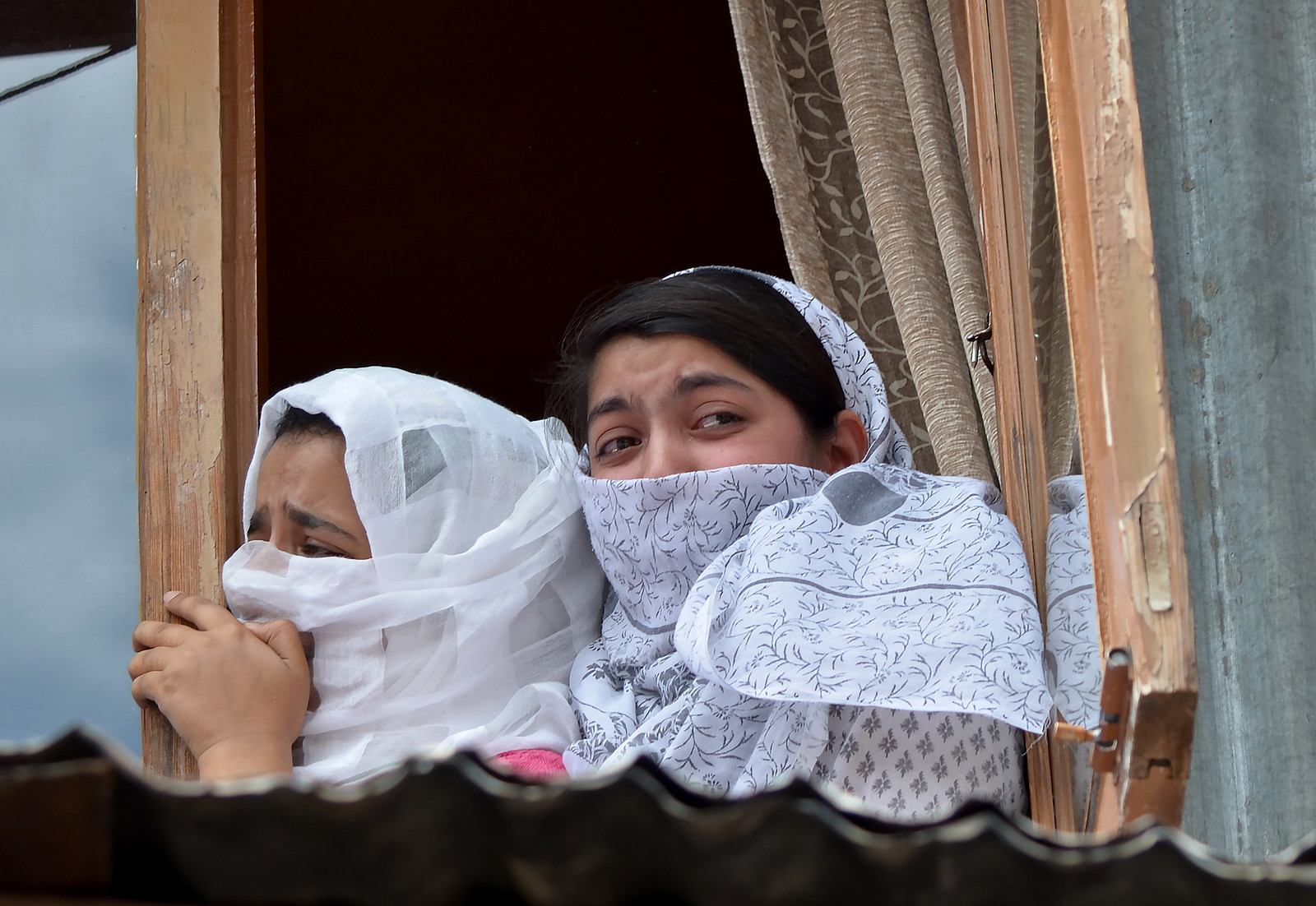 Women Wailing over the killing of the youth by Indian Forces | by Muzamil Mattoo